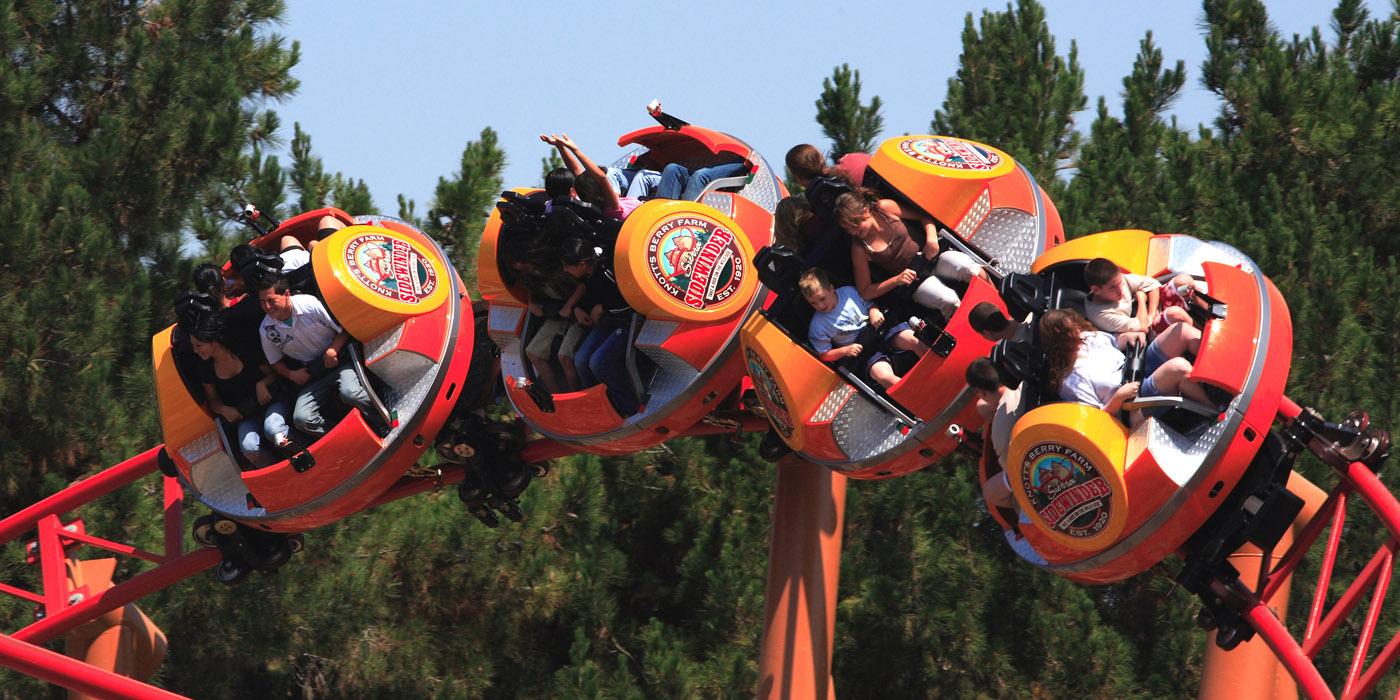 Sierra Sidewinder - Spinning & Twisting Roller Coaster ...